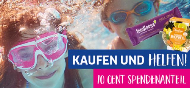 Schwimmende Kinder und Bilder der Artikel mit Spendenanteil