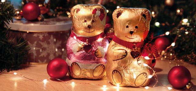 2 goldene Schoko-Teddies von LINDT als Mädchen und Junge